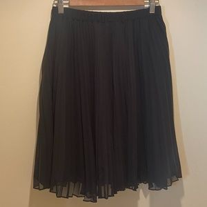 ELLE Pleated Knee Length Skirt Size Small
